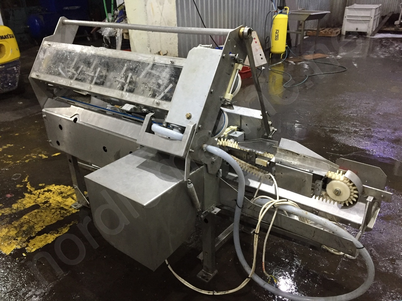 Baader 35 F - Filletng machine for herring, mackerel and blue whiting