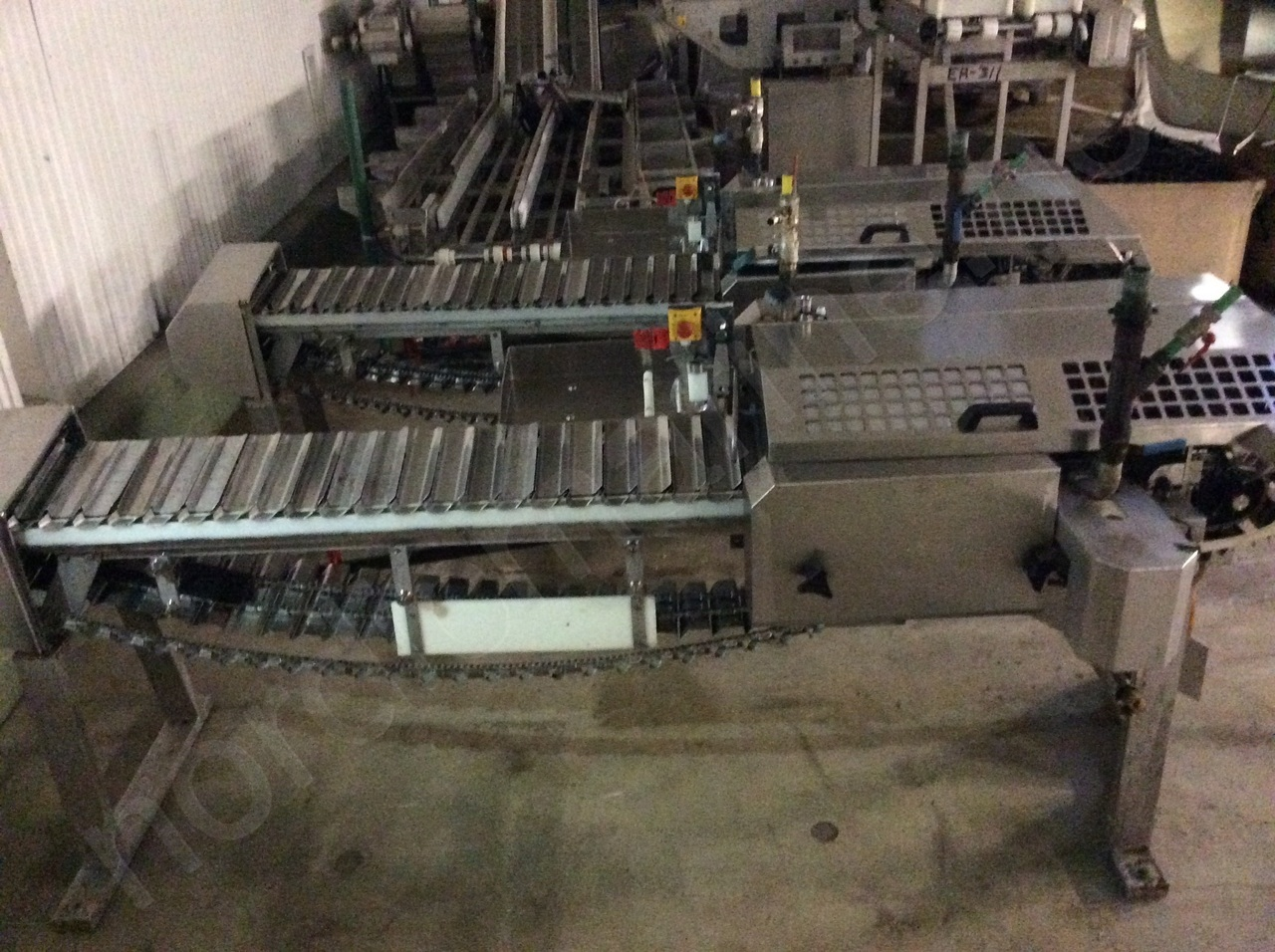 VMK Automatic Filleting and Deheading line for pelagic fish