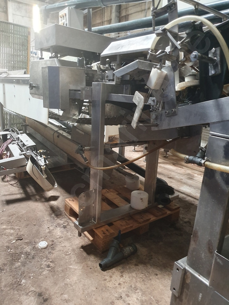 VMK Fish head and tail сutting line